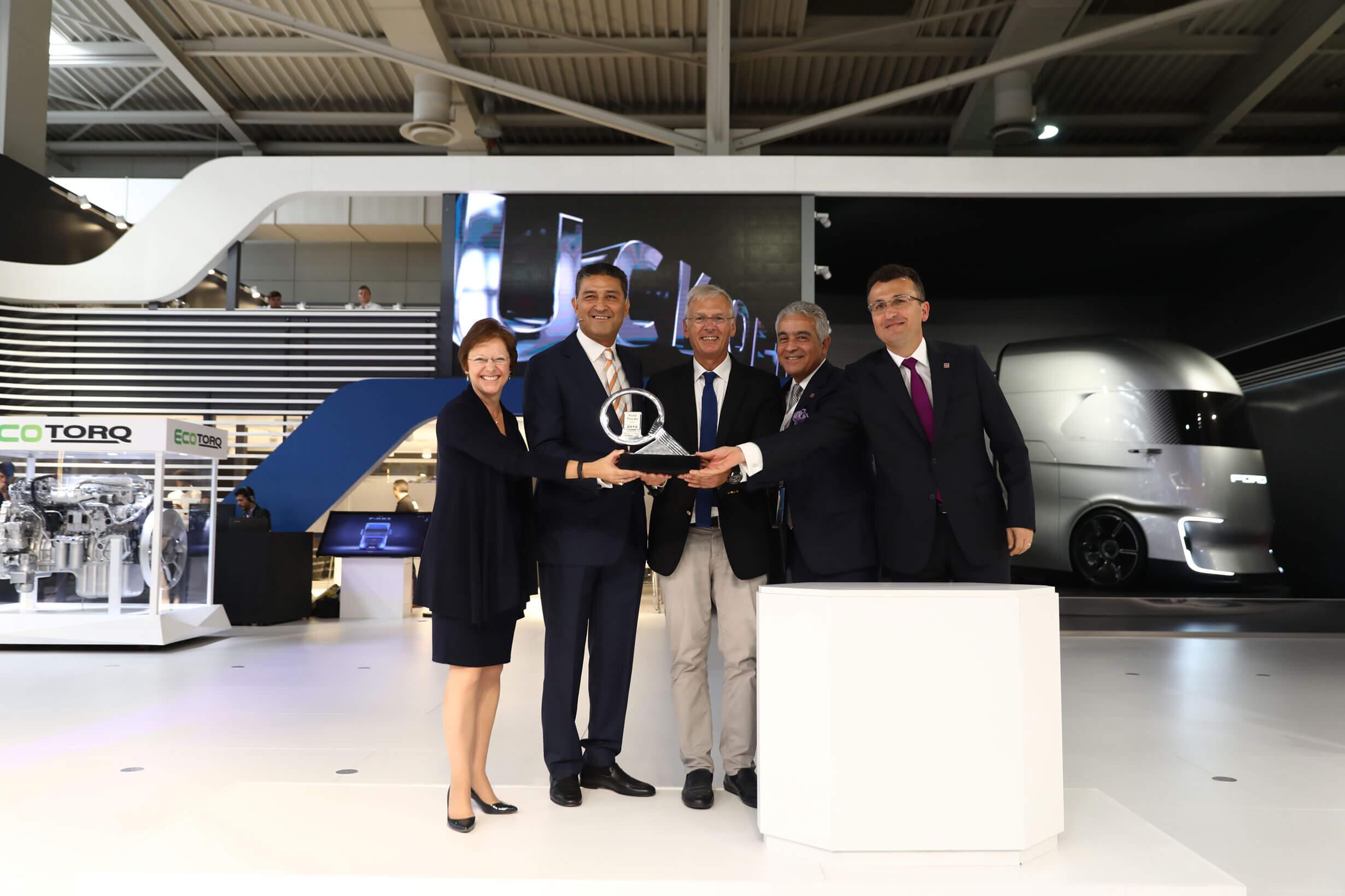 Lansarea Noului AutoTractor Ford Trucks Câștigătorul International Truck of the Year 2019 (ITOY) Ford Trucks F-MAX - Confort, Putere, Eficiență și Tehnologie de Ultimă Oră - 1