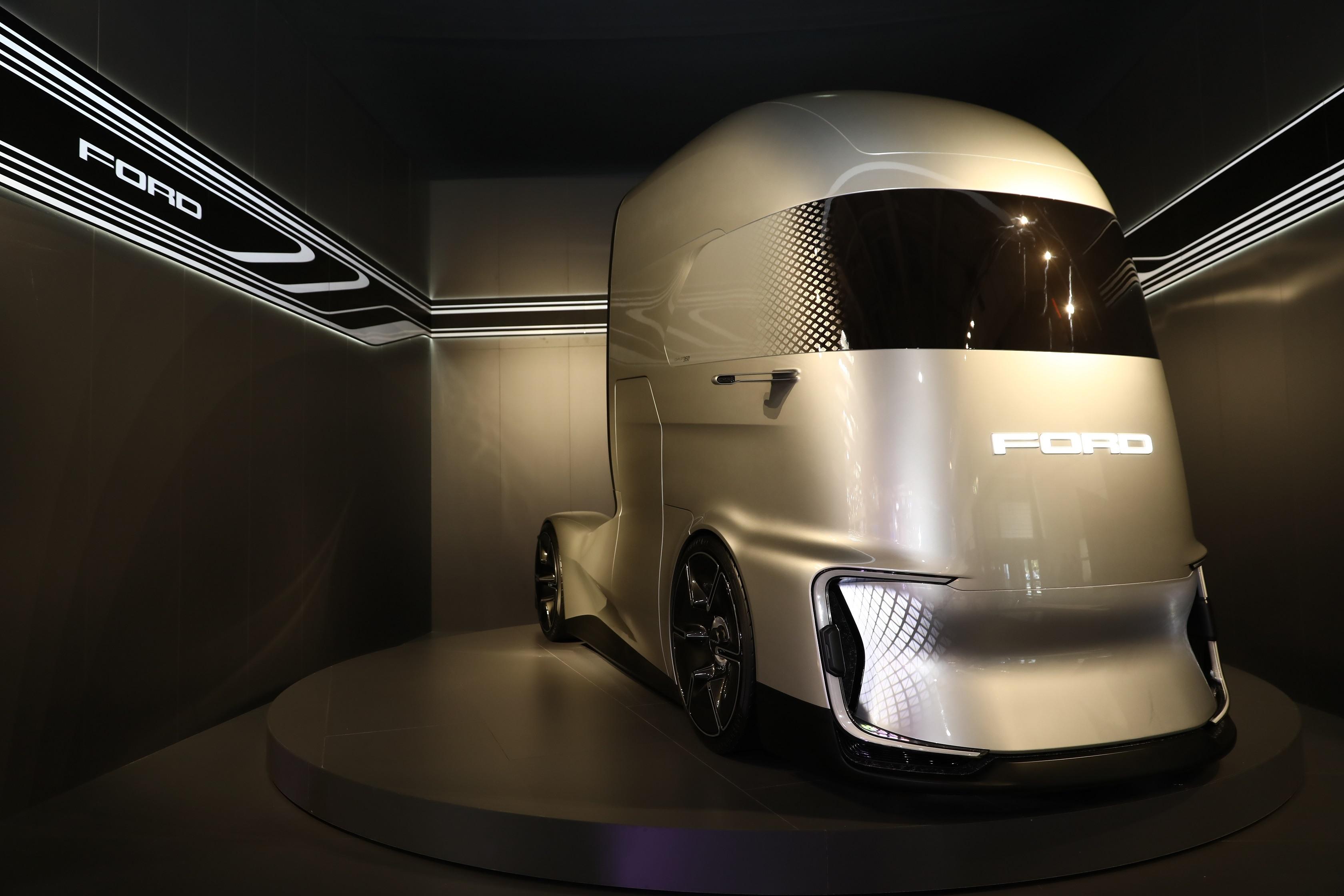 Ford Trucks a prezentat primul său concept de camion F-Vision la IAA Commercial Vehicles 2018